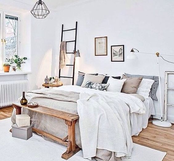 White rugs ladder and beautiful bedrooms on pinterest for Beautiful bed decoration
