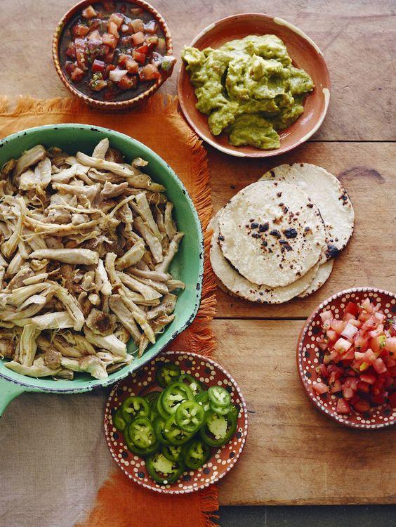 Fácil mexicana de pollo desmenuzado {Verde!} De www.whatsgabycooking.com (whatsgabycookin)