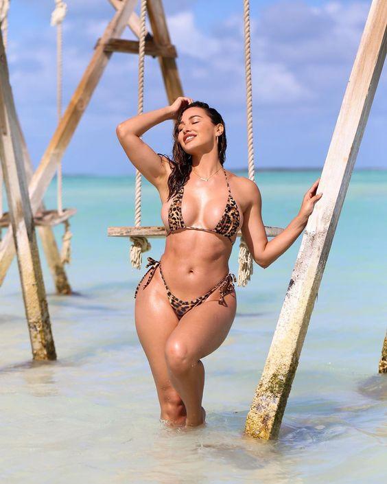 Ana Cheri is Raising Heat on Internet with Latest Bikini Pics