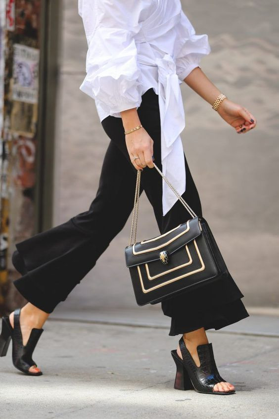 Bvlgari Serpenti Shoulder Bag #desginerbag #luxury #streetstyle #fashion #bvlgari #serpenti / Pinterest: fromluxewithlove