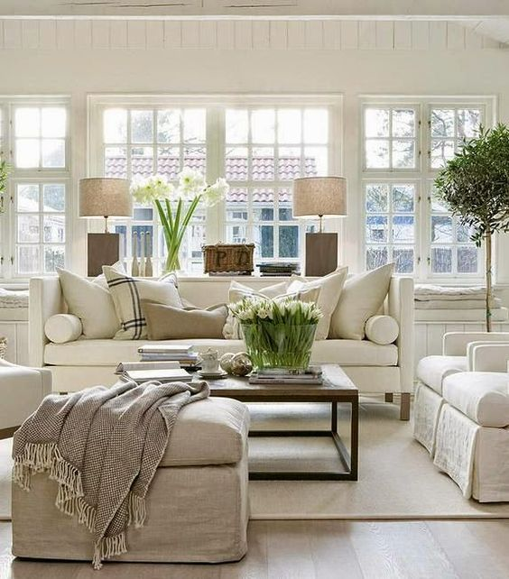 Hampton style living room. It's all about mix of texture: