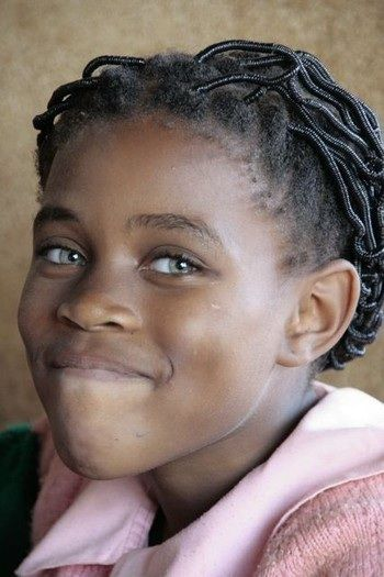 Quelle belle histoire Camerun, Africa... In the 1730s, a seven-year-old English girl washed up on the shores of West Africa and was adopted by her rescuers. She became the wife of a Prince and started a dynasty that extends into many of today's Xhosa royal families. Due to her recessive gene, now and then a child is born in the area with bright blue eyes.