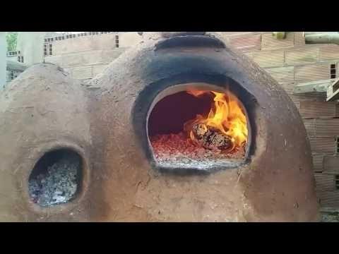 طريقة بناء فرن تقليدي بالحجر و الطين بكل التفاصيل ونتيجة أول خبز عملناه فيه روعة بناء فرن تقليدي Youtube Oven Diy Outdoor Decor Decor