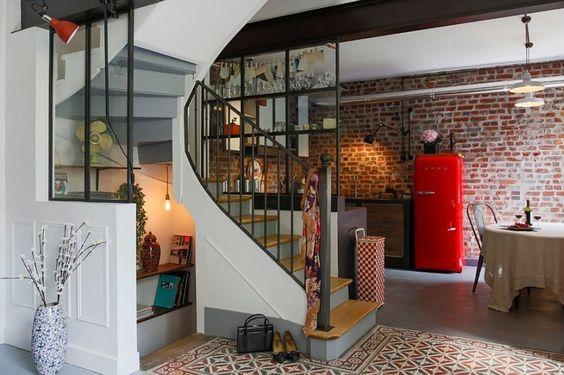 apartamento con cocina pequeña con diseño industrial