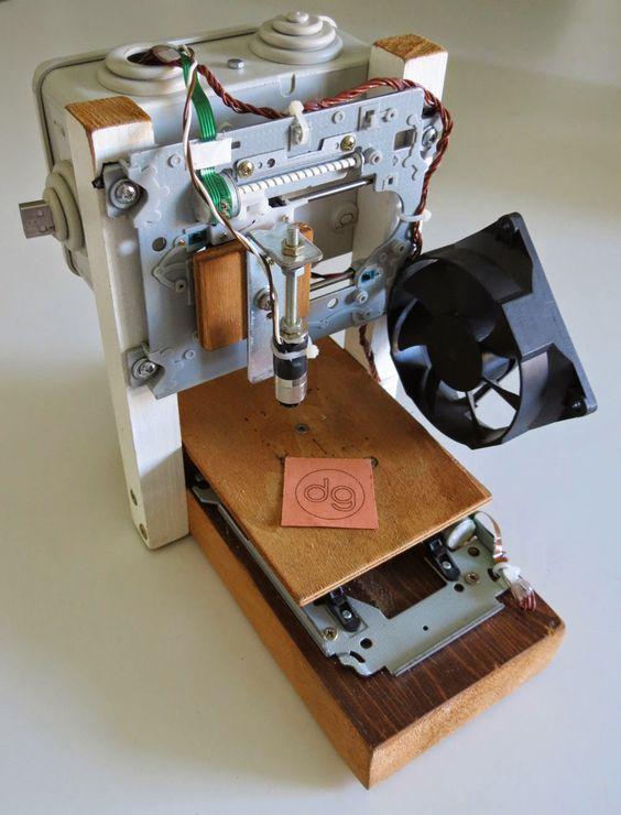 Davide Gironi: 38mm x 38mm Laser Engraver build using CD-ROM/Writer on ATmega328p