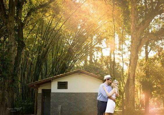 O melhor lugar do mundo é dentro do teu abraço ❤  #canon #canonphotos #canon_photos #canonbr #canon_official #luz #amor #abraco #ensaiodecasal #prewedding #goldenhour #goldenlight #saopaulo #igersp #igerssp #love #holdup #hugg #embrace #instagood #instalove #picoftheday #pictureoftheday