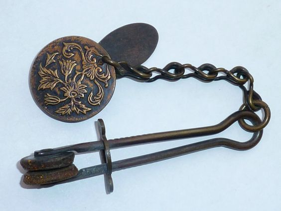ANTIQUE VICTORIAN / EDWARDIAN LADIES SKIRT LIFTER