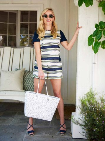 Isn't she the cutest!? #ReeseWitherspoon #DraperJames