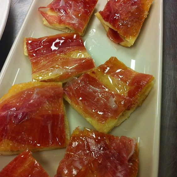 Isaac Beckers Prosciutto Fry-bread    II       @chefaz