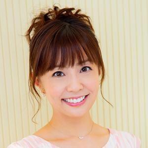 小林麻耶かわいいアップスタイルで透き通る肌の画像