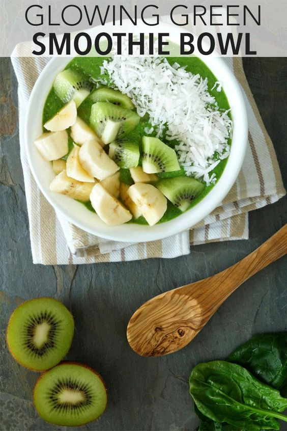 to make a power-packed smoothie bowl. Click through to get this super ...
