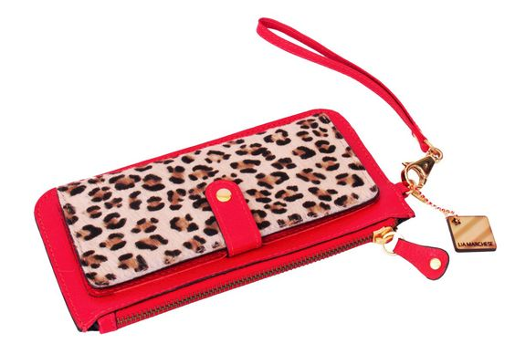 Clutch tipo carteira em couro vermelho e onça. Red leather, leopard printed leather with hair wristed wallet/clutch.
