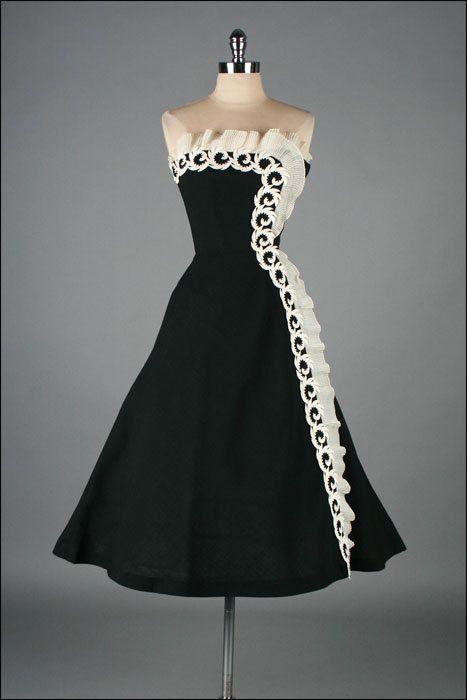 r e s e r v e d /// Vintage 1950s Dress . Black Linen . Macrame ...