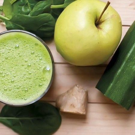 Succo di zucchine, mele e spinaci