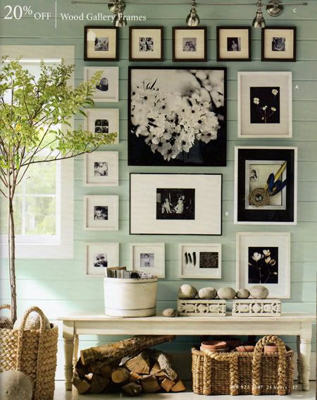 Photo wall: Decorating Idea, White Photo, Wall Color, Photo Wall, Wallcolor