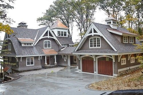 40 Best Detached Garage Model For Your Wonderful House Small Cottage Homes Carriage House Plans Cottage House Exterior