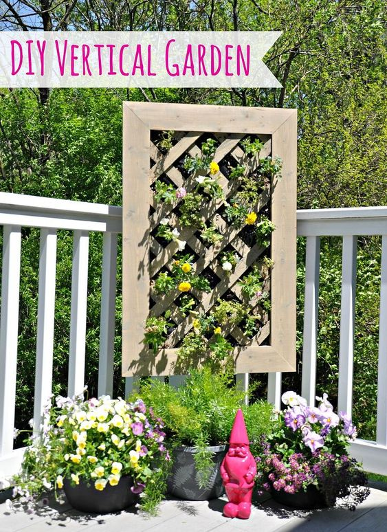 A step-by-step tutorial on how to build a vertical garden. Great for apartment dwellers or those with small yards! Start by building the vertical garden bed. Ad…