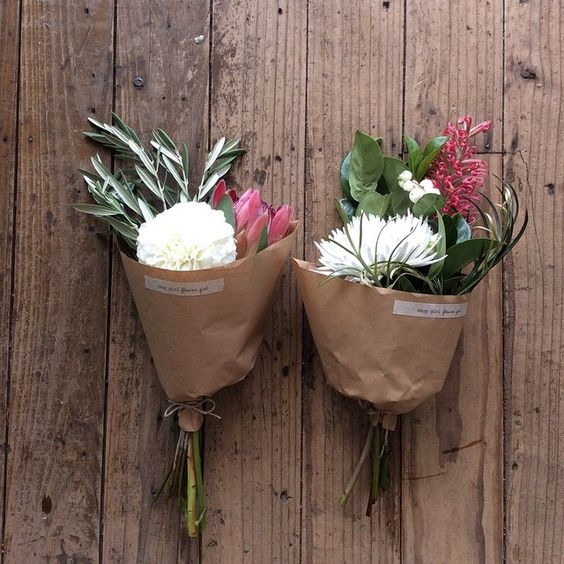 « Today's house flowers. #shopgirlflowergirl#shoplocal#flowershop#australiannatives#houseflowers# »