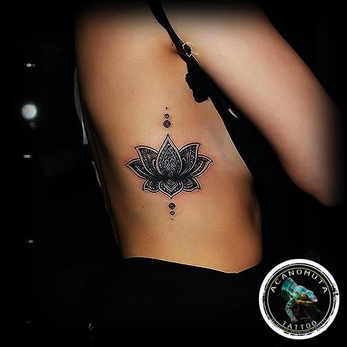 Flower tattoos are sexy but also a beautiful idea for any women and men.