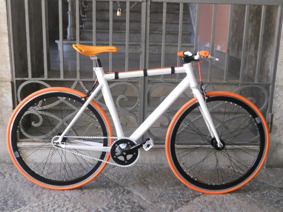 #fixed #telaioalluminio #bici #scattofisso #singlespeed #moda #headset #arancio #crealatuabici #design #fixedgear #troianocicli #ftroiano #vintage #biciepoca #bicicletta #ciclismo #brooks #velo #brn #london #milanofixed #kitfixed #ruotefixed #profiloalto #prowheel #bike #fixyourbike #