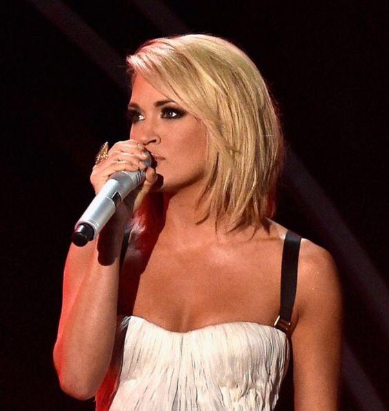 Carrie Underwood Grammy Hair 2016