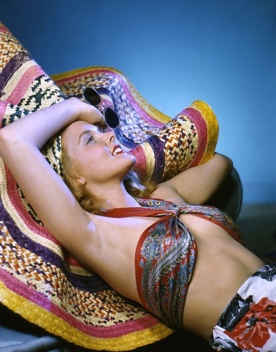 Vintage Photography: Reclining Model