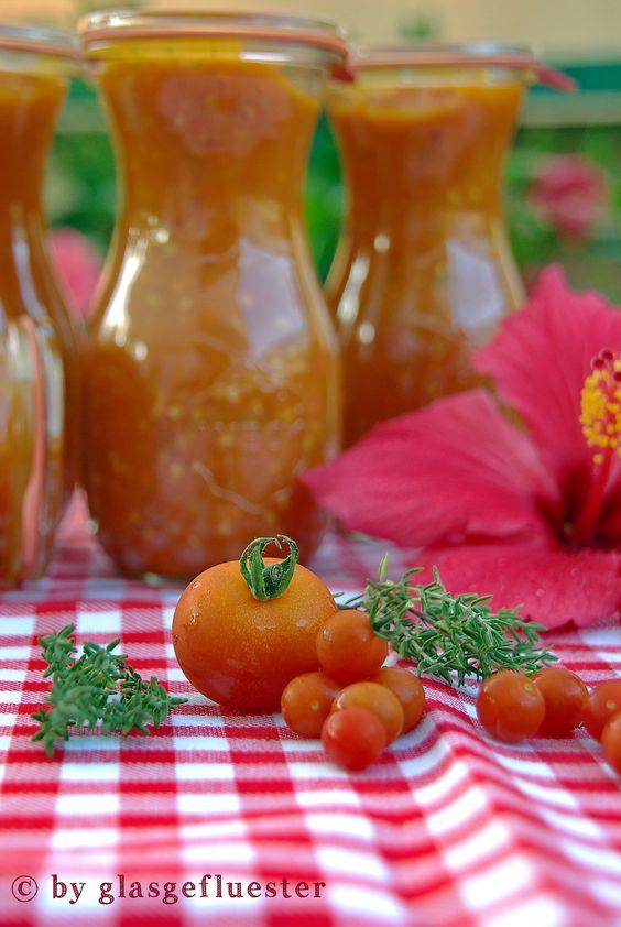 Frische eingemachte Tomatensauce den ganzen Winter über! Definitiv ein Must-Cook ;-)