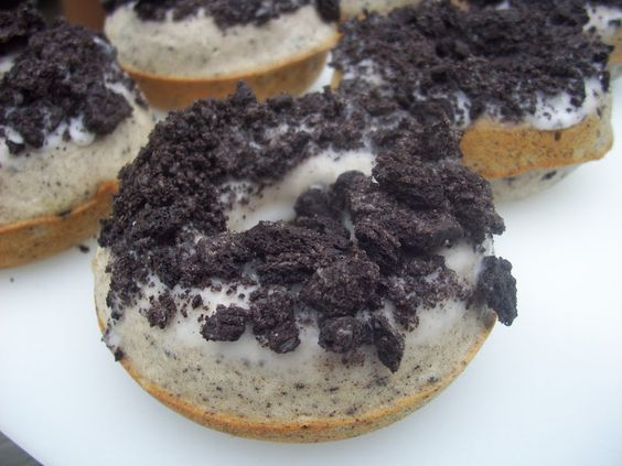 Flavors by Four: Baked Oreo Donuts