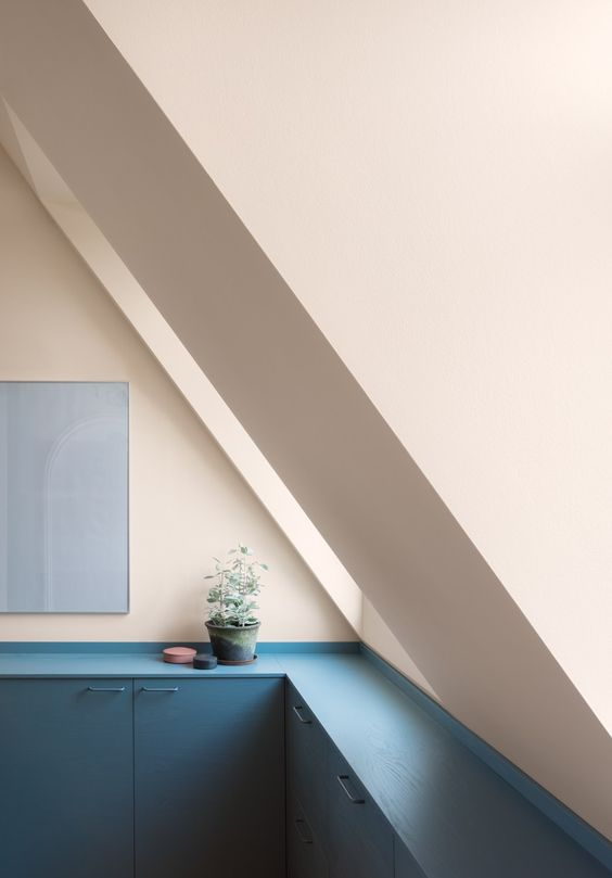 A kitchen in dusty pink and blue - via cocolapinedesign.com