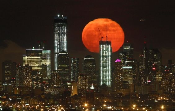 Supermoon 2012 on The Big Picture