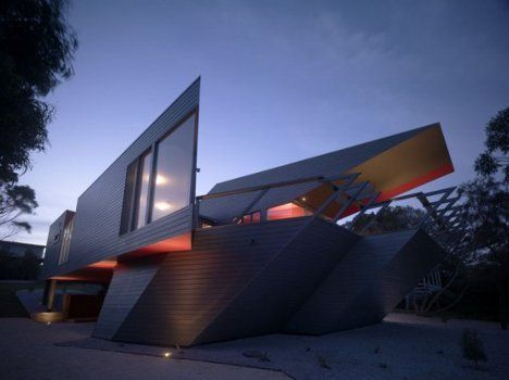 "A house designed around the initial ""K"". kinda funny, but it does look pretty amazing.   Ashton Raggatt McDougall Architects"