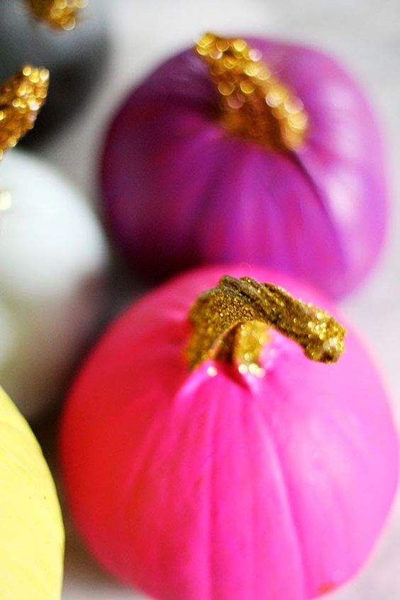 Painted pumpkins with glittered stems pumpkin crafts for Pumpkin stems for crafts