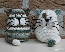 Crochet cats as toys or stuff with beans for a cute doorstop.  Pattern is by Stip & HAAK and is in Dutch, so you will have to use a translator.