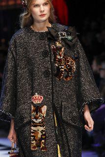 Dolce & Gabbana детали | Коллекции осень-зима 2016/2017 | Милан | VOGUE