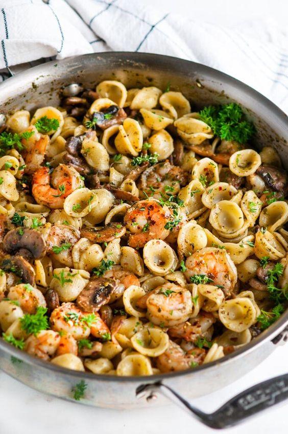 Quick and Easy Pesto Shrimp Pasta