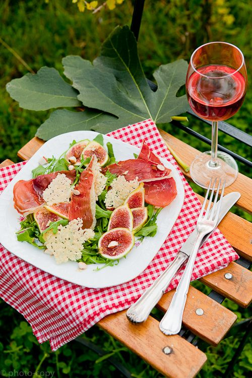 fig salad with crispy prosciutto, parmesan chips and almonds ...