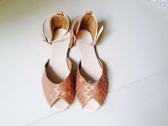 sandália sereia dourada