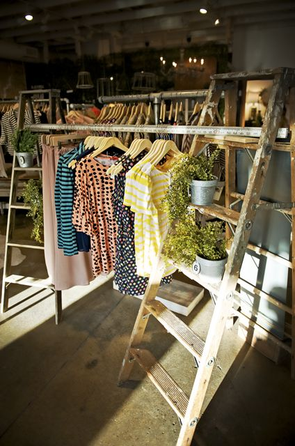 clothes display ... We do this at our yard sales. More sales this way. Easy to l@@k at all the clothes.