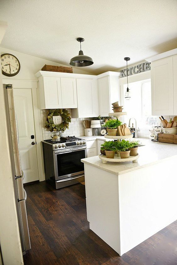 Farmhouse kitchen makeover see how this 80 39 s tri level for Tri level home makeovers