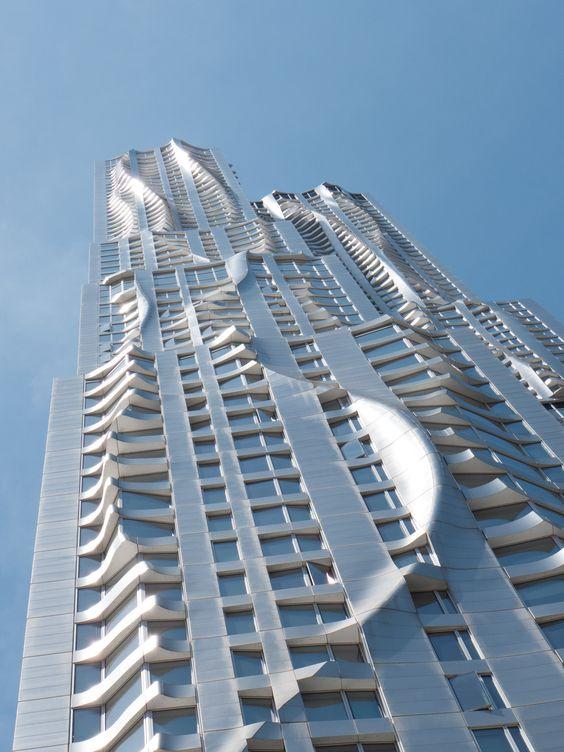 Frank Gehry More news about worldwide cities on Cityoki! http://www.cityoki.com/en/ Plus de news sur les grandes villes mondiales sur Cityoki : http://www.cityoki.com/fr/