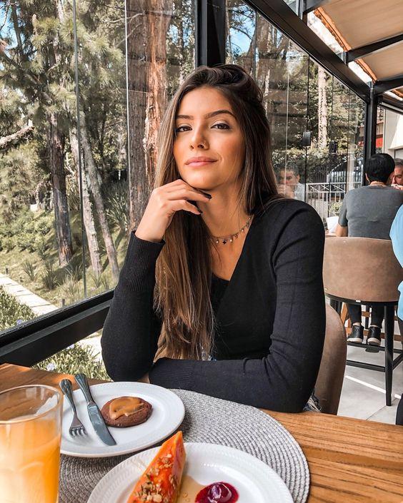 """INGRID PGON on Instagram: """"Já com saudades desse café da manhã hehe 😋 Qual a refeição preferida de vocês? (Educados respondem 😂🤪)"""""""