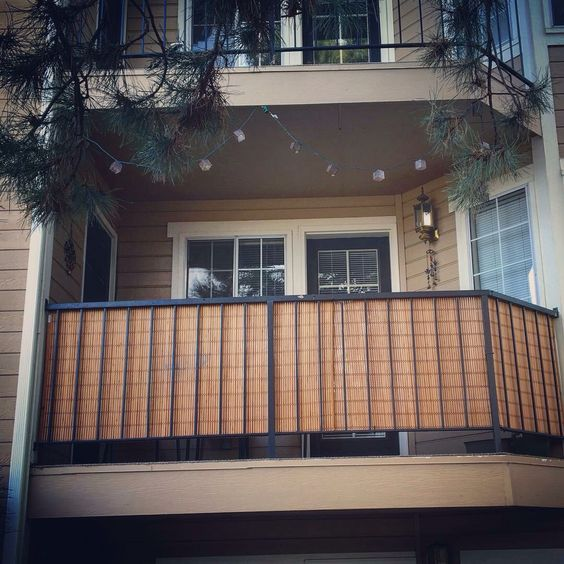 Bamboo blinds for balcony privacy genius darian and kyle for Balcony privacy