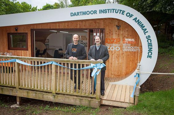 25 May 2016 | Students at Plymouth University are to benefit from a new science centre that will enable them to study animals at close quarters – thanks to a collaboration with Dartmoor Zoological Park (DZP). https://www.plymouth.ac.uk/news/plymouth-university-and-dartmoor-zoological-park-open-new-student-science-centre
