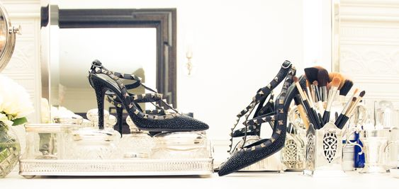Rock stud-y. www.thecoveteur.com/stacey-todd