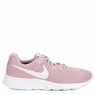 pale pink nike shoes