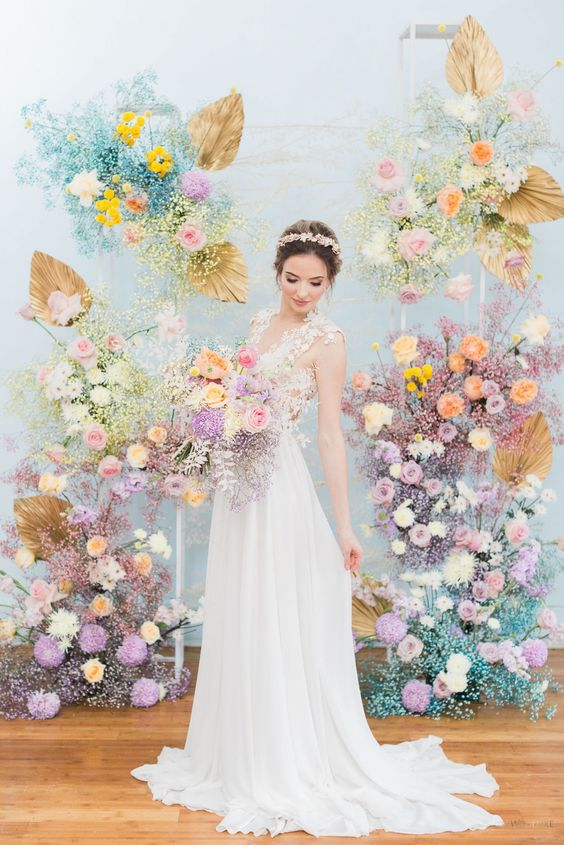 Irredescence dried flower with pastel color wedding ceremony backdrop & sorbet wedding color themes