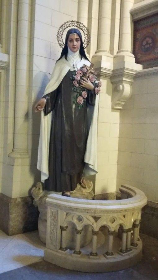 Lo Que Agrada A Dios De Mi Pequeña Alma Es Que Ame Mi Pequeñez Y Mi Pobreza Himno Santa Teresinha Do Menino Jesus Teresa De Jesus Teresinha Do Menino Jesus