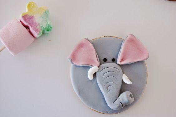 Las mejoras galletas con caras de animales de fondant del mundo!! galleta con cara de elefante. Best animal biscuits made with fondant ever!! elephant face biscuit.