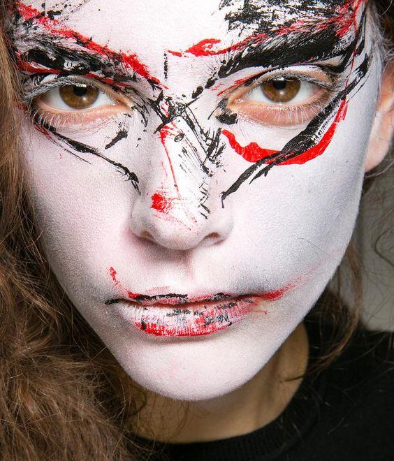 Vivienne Westwood spring 2014 makeup.