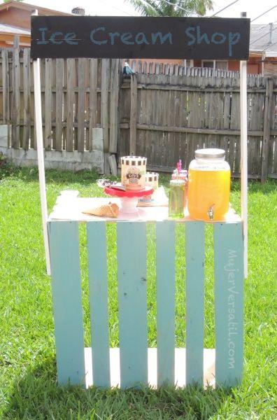 Hoy en el blog te enseño como hacer un stand de madera para poner la comida, las bebidas y el helado durante nuestras reuniones familiares. Gracias a @edysicecream ya empieza la diversión!   #IceCream #SweeterTogether #Ad #DIY #MujerVersatil